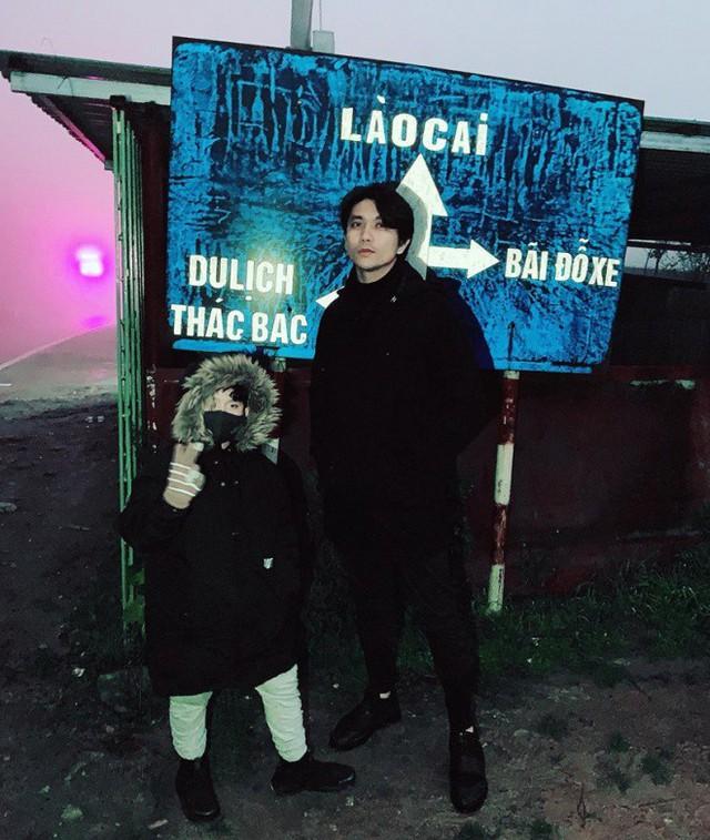 Cùng check-in ở 1 địa điểm với con trai nhưng Tim và Trương Quỳnh Anh lại chụp ảnh riêng biệt