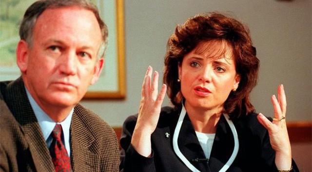 Cha mẹ JonBenet trong một cuộc phỏng vấn