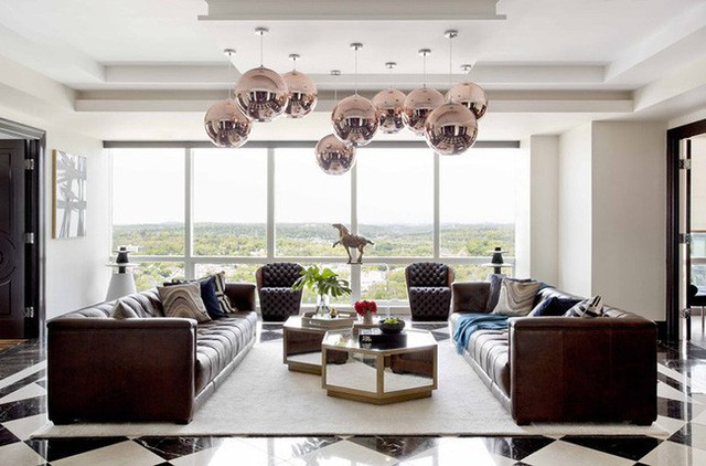 Hoặc thay vì chỉ lựa chọn một chiếc thì sử dụng một loạt mẫu đèn thả trần cũng là cách bạn tạo được điểm nhấn ấn tượng bên trong không gian sống gia đình.