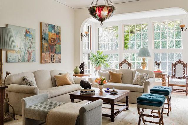 Bạn luôn tìm thấy được những mẫu đèn thả trần độc đáo để tăng thêm vẻ đẹp cho căn phòng khách gia đình.