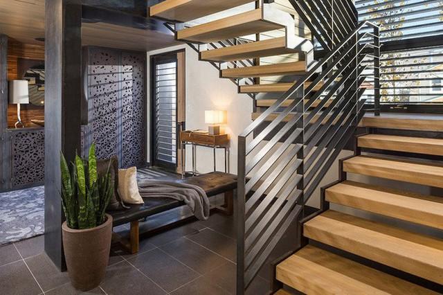 Lối ra vào nhà cũng phần nào cho thấy được tính cách, sự tỉ mỉ, chu toàn của chủ nhân ngôi nhà.