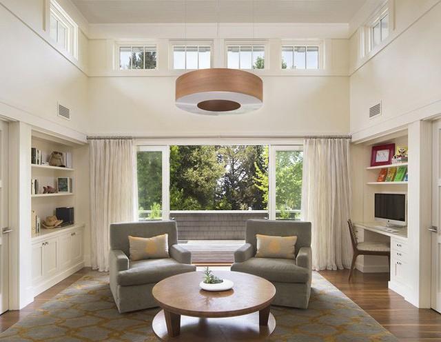 Các mẫu đèn thả trần luôn được gia đình cân nhắc lựa chọn phù hợp với nội thất có trong phòng.