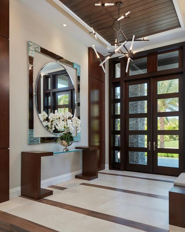 Thực tế thì việc trang trí lối ra vào nhà khá đơn giản và dễ thực hiện với mức chi phí vô cùng dễ chịu tùy theo lựa chọn của từng gia đình.