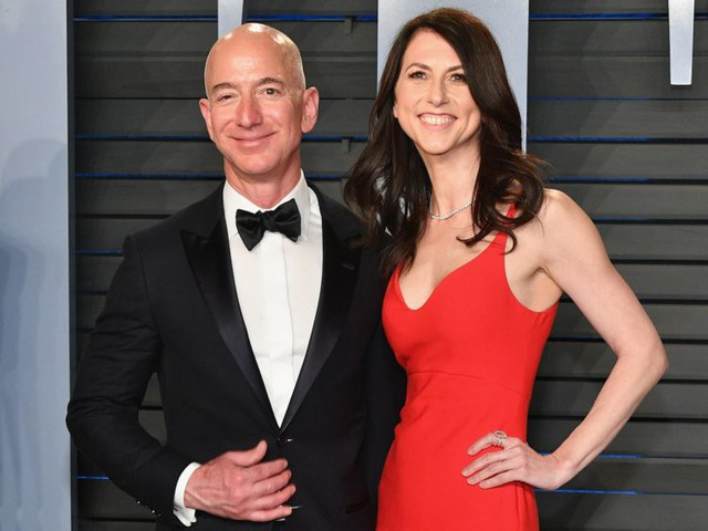Hai vợ chồng Bezos thuở còn mặn nồng