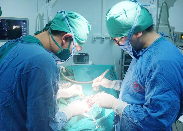 Ca phẫu thuật cứu sống bệnh nhân H. cùng lúc bị phát hiện 3 căn bệnh ung thư. Ảnh: Bệnh viện cung cấp