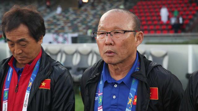 HLV Park thể hiện sự tự tin và quyết tâm trước trận đấu