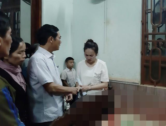 Ban An toàn giao thông tỉnh Gia Lai thăm hỏi, hỗ trợ gia đình nạn nhân.