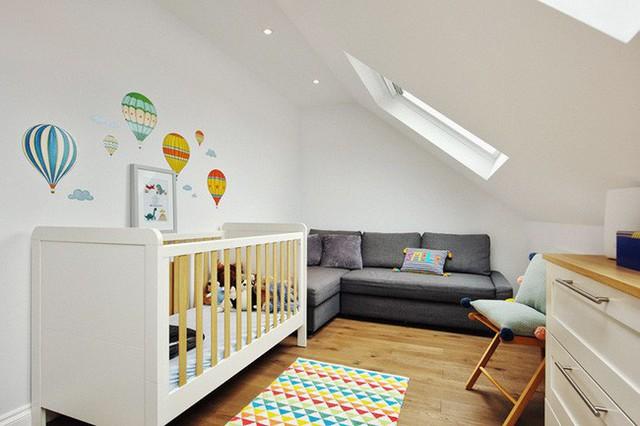 Phong cách tối giản của phong cách Scandinavian cực thích hợp để thiết kế phòng ngủ cho trẻ sơ sinh.