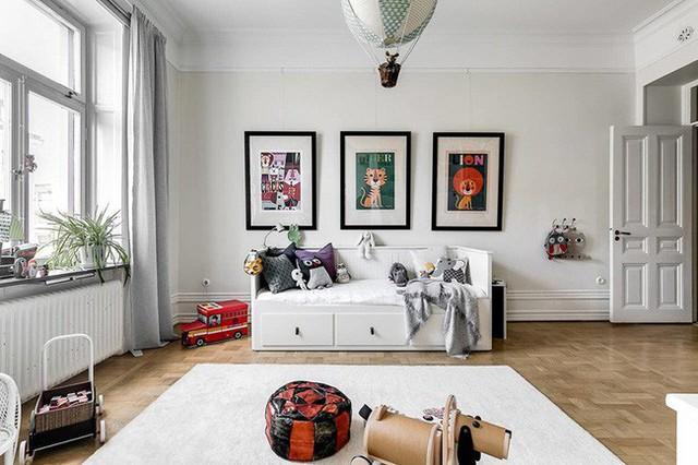 Dù lựa chọn phong cách thiết kế nội thất đi chăng nữa thì bạn cũng đừng quên dành riêng một không gian vui chơi thoải mái cho bé.