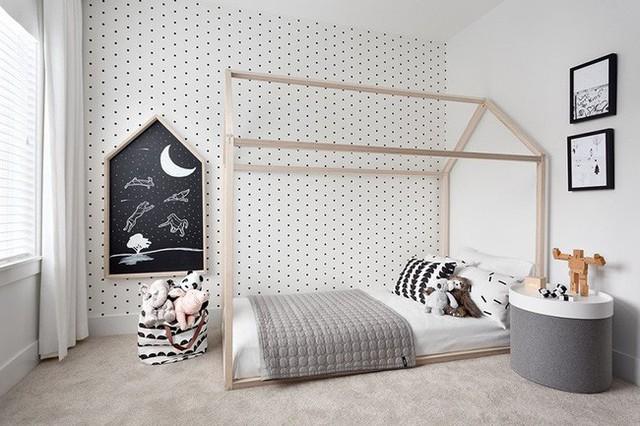 Căn phòng được thiết kế hoàn toàn bởi những gam màu cơ bản như đen, trắng và xám nhưng lại tạo ra được hiệu quả thẩm mỹ không tồi chút nào.