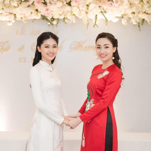 Cuộc sống của hai chị em Trà My - Thanh Tú được nhiều người ngưỡng mộ.