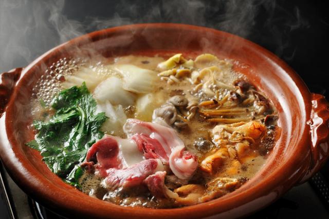 Những món lẩu Nhật thường được nhắc đến với tên gọi chung là nabemono. Ảnh: Live Japan