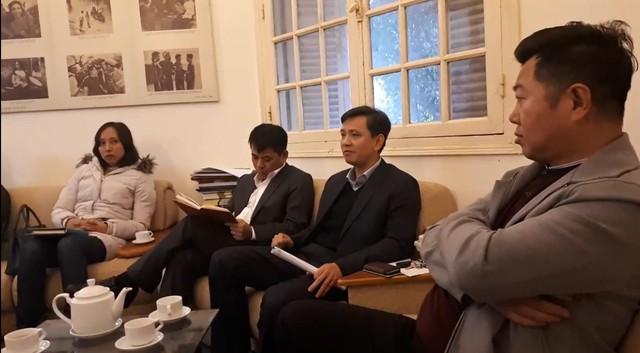 Ông Trần Hoàng (Vụ trưởng Vụ Kế hoạch, Tài chính Bộ VH,TT&DL), ông Phạm Cao Thái - Chánh Thanh tra Bộ và ông Danh Thắng - Chủ tịch hãng phim