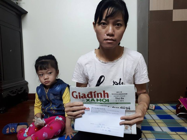 Qua báo Gia đình và Xã hội, chị Hiền xin gửi lời cảm ơn tới tất cả các mạnh thường quân đã hỗ trợ cho gia đình chị thời gian qua. Ảnh TG