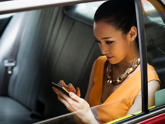 Theo công bố mới nhất của Wealth-X, Hong Kong chính thức trở thành nơi tập trung cao nhất số lượng người siêu giàu, vượt các thành phố lớn khác trên thế giới như New York City, Tokyo hay Paris.