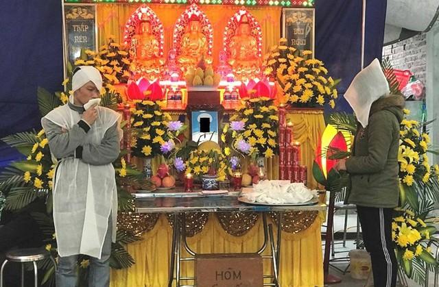 Lễ tang nạn nhân Trần Văn Đường (có em trai Trần Văn Đoan - Trưởng công an xã tử vong). Ảnh: Đỗ Hoàng