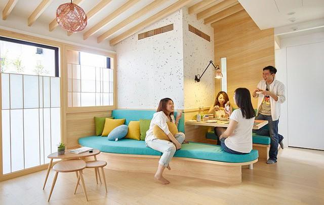 Căn phòng độc đáo với sự kết nối góc chuyện trò với nơi ăn uống.