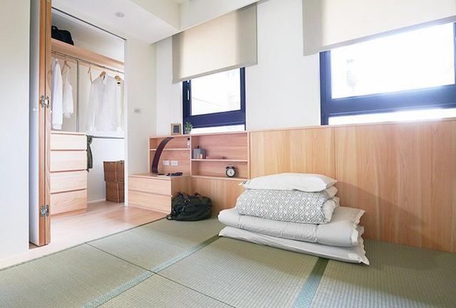 Phòng ngủ rộng rãi nhờ cách sử dụng chiếu tatami.