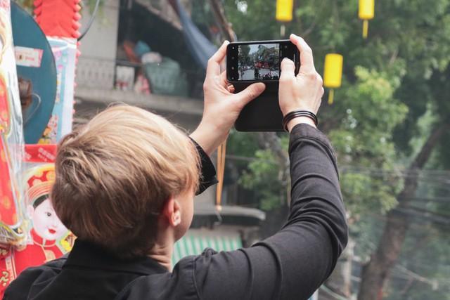 Phố phường Hà Nội qua ống kính của du khách nước ngoài.