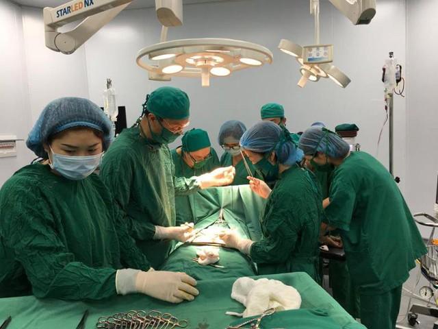 Sản phụ Y thoát khoải lưới hái tử thần nhờ bác sĩ Bệnh viện Sản Nhi Quảng Ninh. Ảnh: T.Thiêm