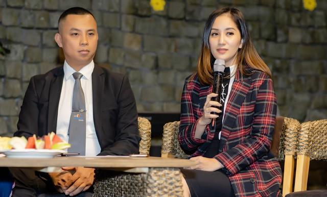 Khánh Thi - Chí Anh trong buổi gặp gỡ báo chí chia sẻ về việc thành lập Liên đoàn Khiêu vũ Thể thao Việt Nam. Ảnh: Thành Đạt.