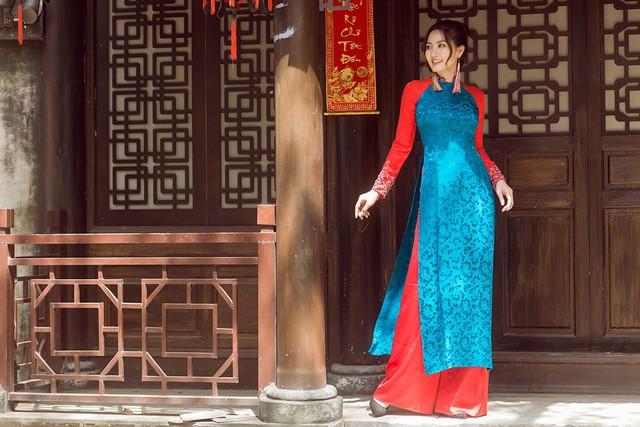 Ngọc Lan cũng thừa nhận sự vụng về của mình trong việc bếp núc, chăm sóc con cái nên Thanh Bình là người luôn lo toan mọi thứ. Cô không giấu được niềm hạnh phúc khi được ông xã chiều chuộng và chăm sóc chu toàn.