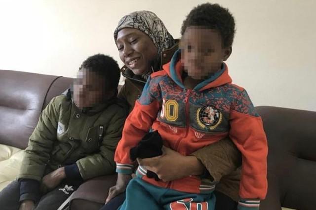 Người phụ  nữ đã vượt gần 9.700km để cứu hai con từ tay IS