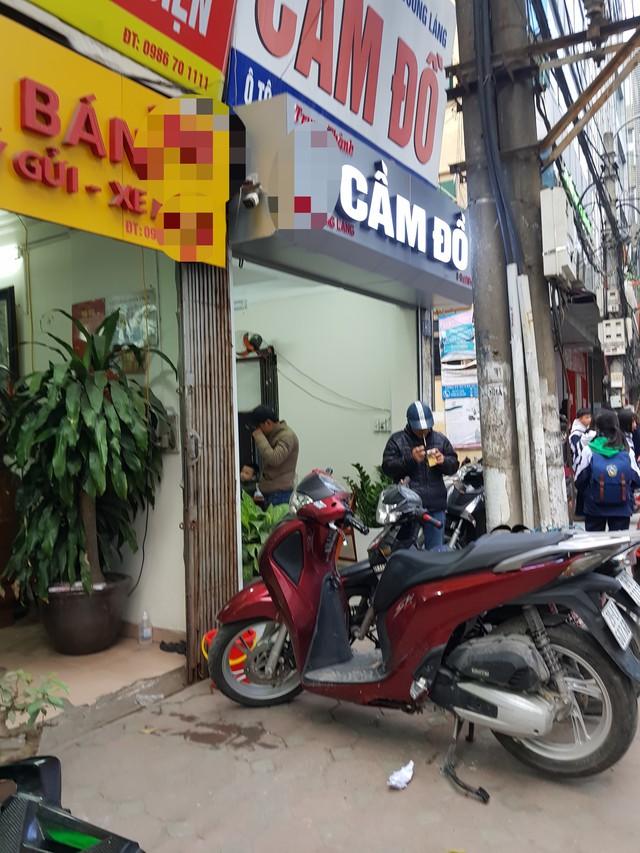 Dịch vụ cầm đồ nở rộ trên khắp các phố phường của Hà Nội (ảnh chỉ mang tính minh họa)
