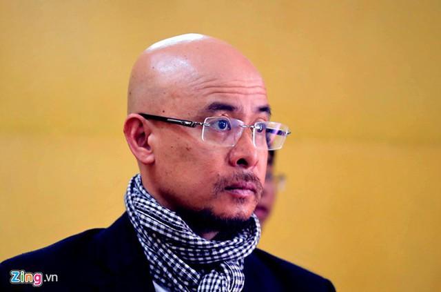 Ông Đặng Lê Nguyên Vũ, Chủ tịch HĐQT kiêm Tổng giám đốc Tập đoàn cà phê Trung Nguyên trong phiên tòa sáng qua