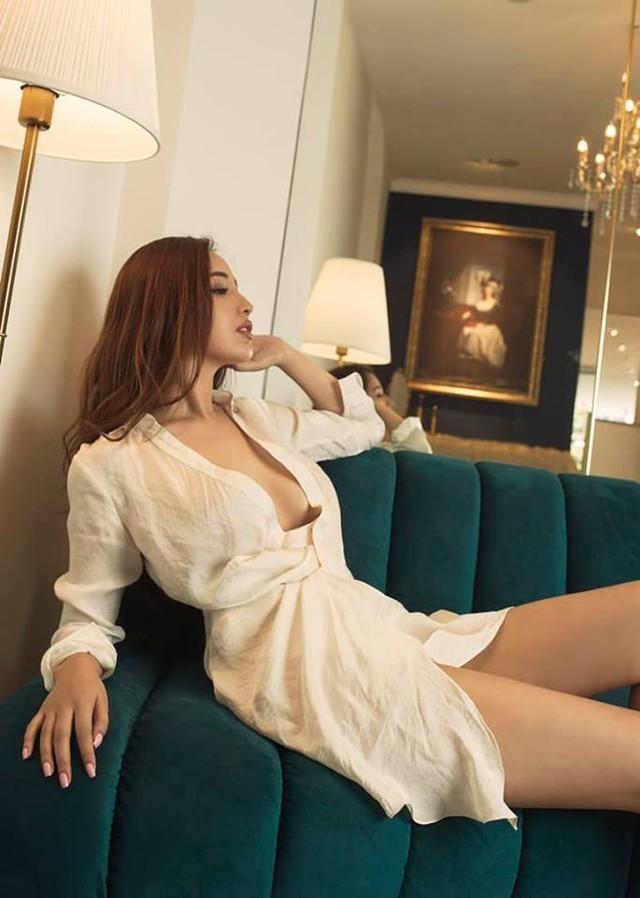 Từng chia sẻ bản thân không thực sự thích hợp với danh xưng Hoa hậu, Mai Phương Thúy có lẽ là nàng Hậu duy nhất im ắng trong showbiz . Thế nhưng mỗi lần xuất hiện, cô vẫn dễ dàng chinh phục được khán giả, dù là những người khó tính nhất.