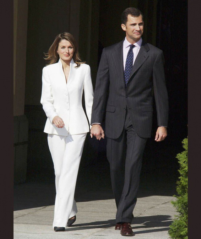 Letizia từng kết hôn và là người chinh phục được trái tim vị vua tương lai của Tây Ban Nha.