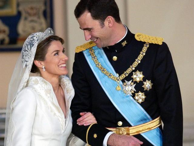 Cặp đôi vượt qua bao dị nghị quyết định kết hôn năm 2004.