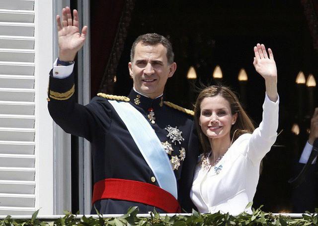 Vua và Hoàng hậu Tây Ban Nha rất xứng đôi vừa lứa.