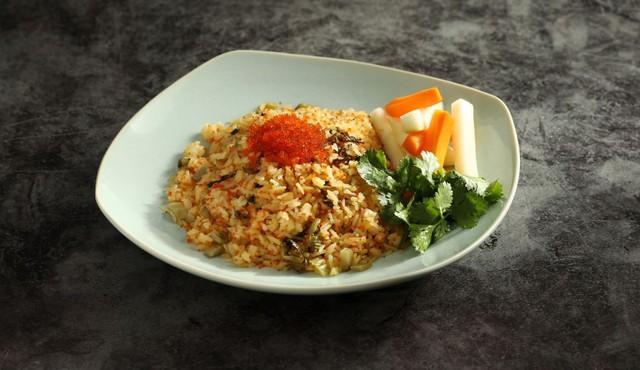 Món cơm rang trứng cua đẹp mắt của Ngon Garden