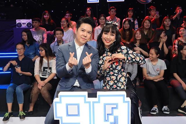 Đại diện thập niên 1990 là Ốc Thanh Vân và nam ca sĩ Lê Hiếu, cặp đôi dễ dàng vượt qua thử thách khi đoán ra nhân vật Tôn Ngộ Không từ bộ phim nổi tiếng Tây Du Ký.