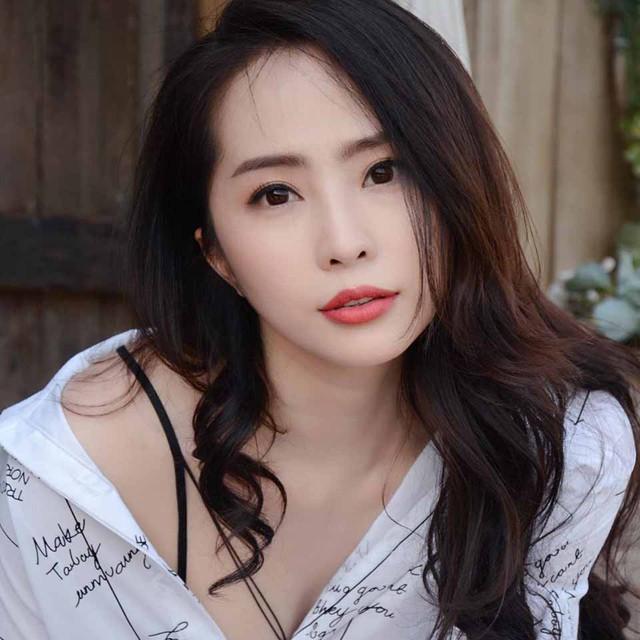Khánh Phương cho biết Quỳnh Nga không thay đổi nhiều, vẫn xinh đẹp, trẻ trung.