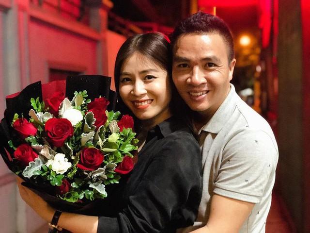 Có vẻ như sau sóng gió, gia đình Hoàng Linh và Mạnh Hùng vẫn chưa hề lung lay tình cảm dành cho nhau.