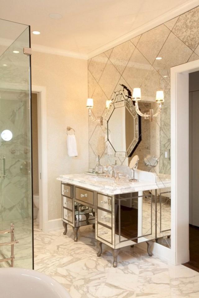 Toàn gương với gương, đây chính là mẫu phòng tắm chuẩn gương chính hiệu rồi.