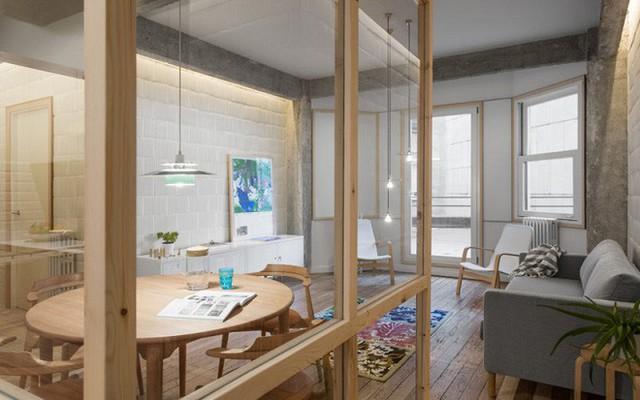 Kết hợp thêm hệ thống chiếu sáng cách điệu, nghiễm nhiên bạn sẽ cảm nhận được hơi thở vintage tràn ngập trong ngôi nhà.