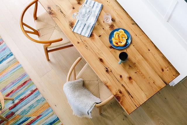 Không gian ăn uống tuyệt đẹp cho hai người trong một ngôi nhà nhỏ sành điệu.