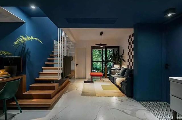 Không gian đẹp như mơ với sàn gạch giả đá, đủ để những sắc màu đậm đà nhất được nổi bật một cách nghệ thuật.