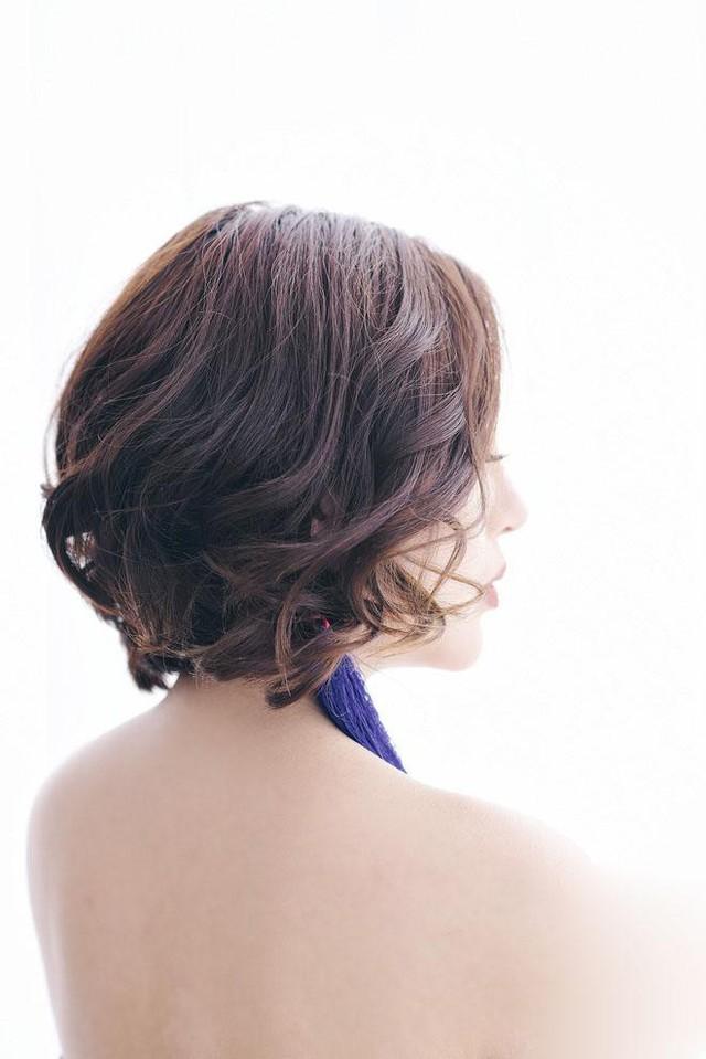 Đối với những cô nàng ưa chuộng phong cách quyến rũ, nữ tính, tóc bob uốn lọn sẽ là phương án tối ưu