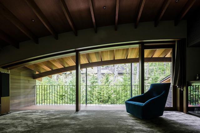 Để có được view đẹp và lượng ánh sáng phù hợp với nhu cầu sử dụng, mỗi phòng chức năng được xoay về một hướng khác nhau.