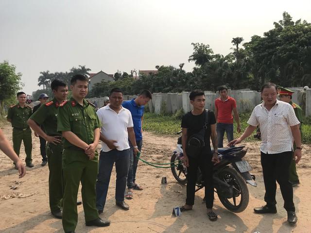 Thực nghiệm hiện trường vụ nam sinh chạy Grab bị sát hại ở Hà Nội - Ảnh 3.