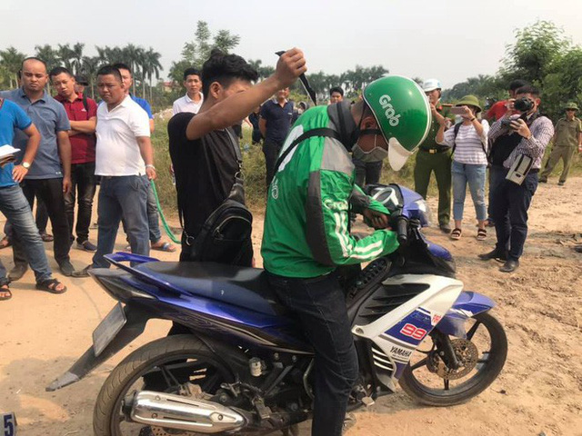 Thực nghiệm hiện trường vụ nam sinh chạy Grab bị sát hại ở Hà Nội - Ảnh 7.