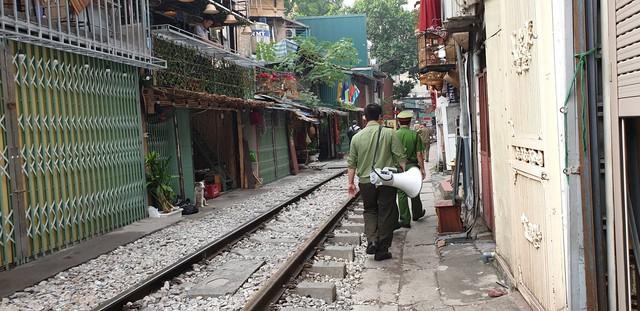 Nóng: Chính thức xóa sổ phố đường tàu Phùng Hưng - Ảnh 4.