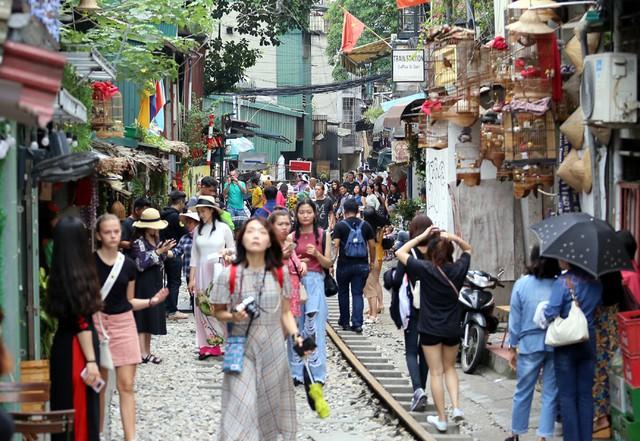 Nóng: Chính thức xóa sổ phố đường tàu Phùng Hưng - Ảnh 2.
