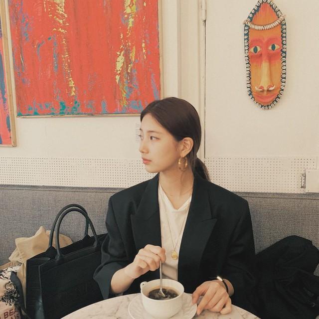 Cần gì giảm cân, Suzy vẫn xinh quá đỗi nhờ khéo lên đồ đơn giản mà nịnh mắt, để nhiều kiểu tóc cực sang - Ảnh 2.