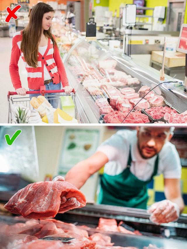 9 điều cần nhớ khi mua thực phẩm ở siêu thị để không mua phải hàng kém chất lượng - Ảnh 2.