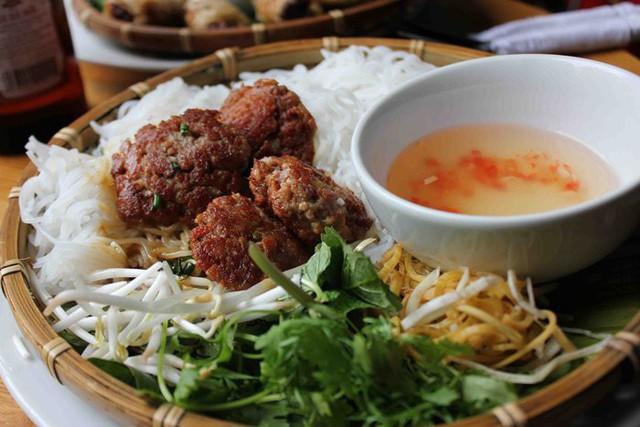 Sở thích ăn uống của các cầu thủ Việt Nam, ngọt ngào nhất là chàng tiền vệ này  - Ảnh 11.